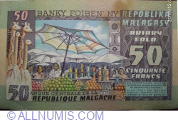 Image #2 of 50 Francs = 10 Ariary ND (1974)