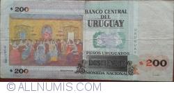Image #2 of 200 Pesos Uruguayoss 2011